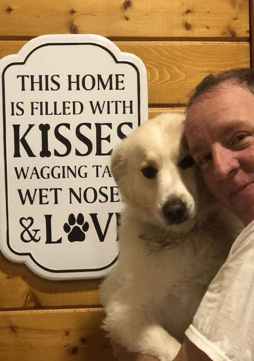 """Pet """"Dog Kisses"""" Sign"""