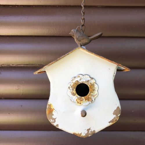 Birdhouse W/Rusty Roof