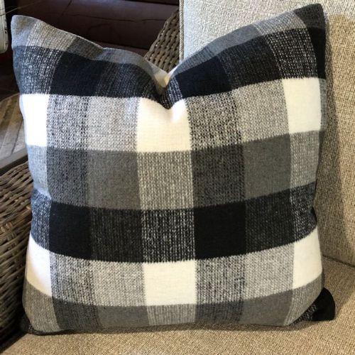 Pillow-Black/White Check